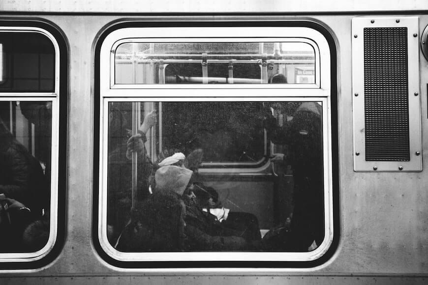 Поезд с людьми